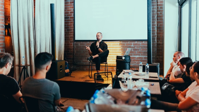 8 Easy Tips for Creating Engaging Presentations
